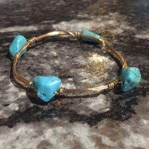 Jewelry - Gold and turquoise stone bangle